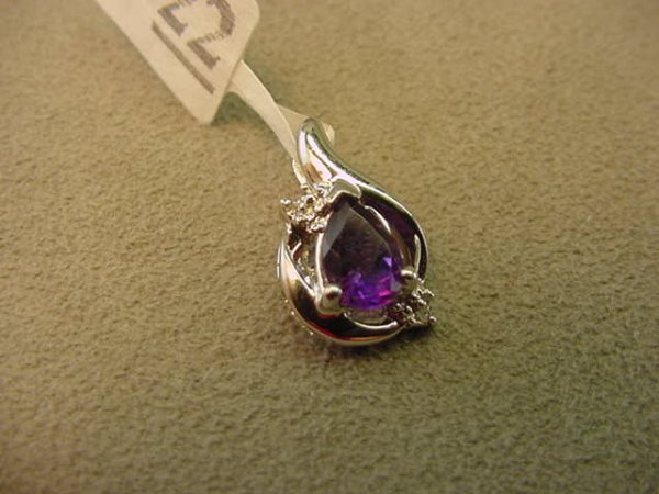 8022: 10K WHITE GOLD AMETHYST AND DIAMOND PENDANT