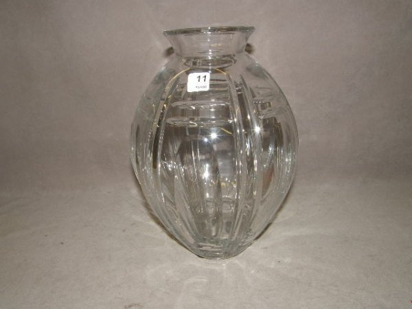 1011: LARGE CUT GLASS VASE