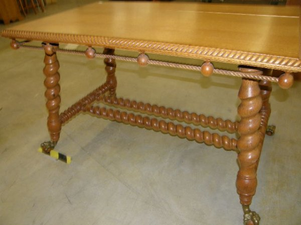 3276: OAK TABLE WITH TWIST LEGS AND BALL & CLAW FEET