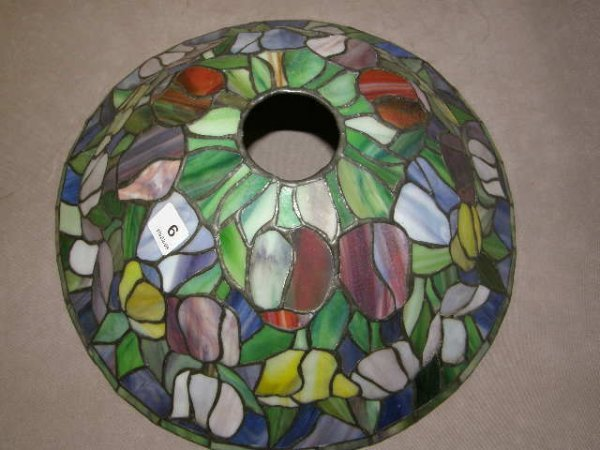 3006: CONTEMPORARY STAINED GLASS SHADE
