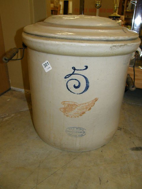 4301: 5 GALLON RED WING CROCK WITH COVER