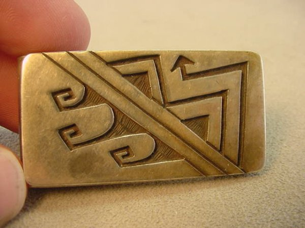 5023: METAL MONEY CLIP WITH INDIAN MEDALLION