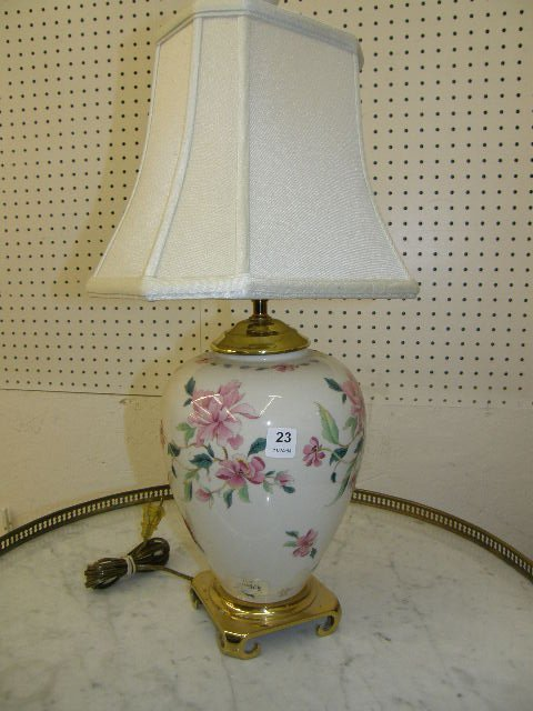 6023: PAIR LENOX PORCELAIN LAMPS WITH SHADES