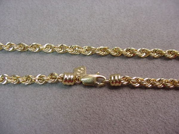 1003: 18K TWISTED ROPE STYLE CHAIN