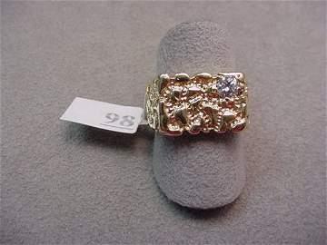 1098: 14K GOLD DIAMOND NUGGET DESIGN RING