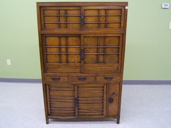 2137: CABINET WITH DRAWERS AND SLIDING DOORS