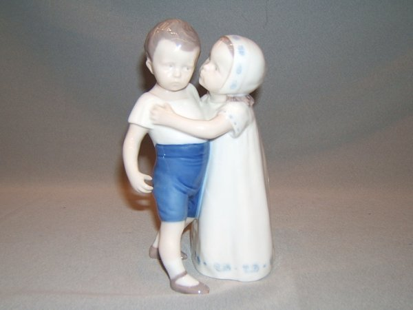 2145: BING AND GRONDAHL PORCELAIN FIGURE -BOY AND GIRL