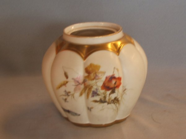 4052: 2 ROYAL WORCESTER HANDPAINTED VASES