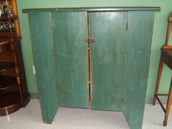 4060: PAINTED PRIMITIVE 2 DOOR CUPBOARD