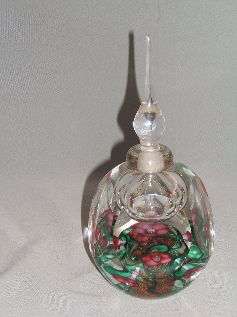 4067: SIGNED VANDERMARK ART GLASS BOTTLE WITH STOPPER