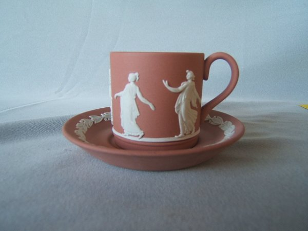 4071: 2 WEDGWOOD JASPERWARE CUP AND SAUCER SETS