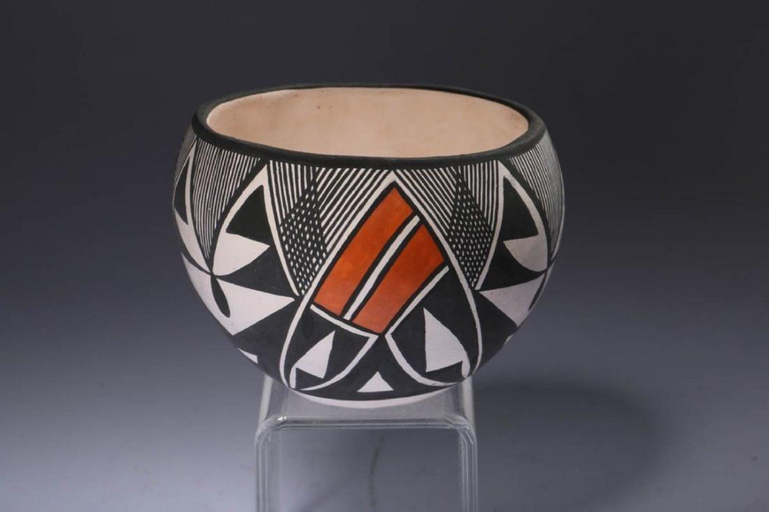 Native American Acoma Pottery - 2