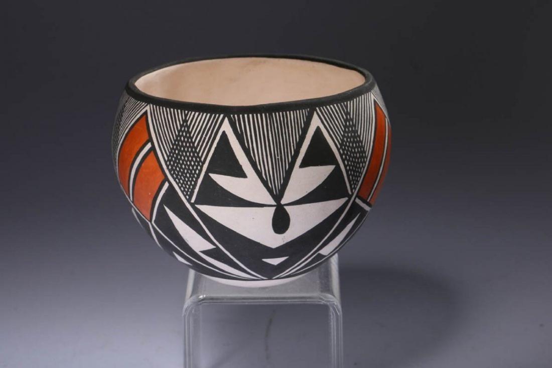 Native American Acoma Pottery - 3