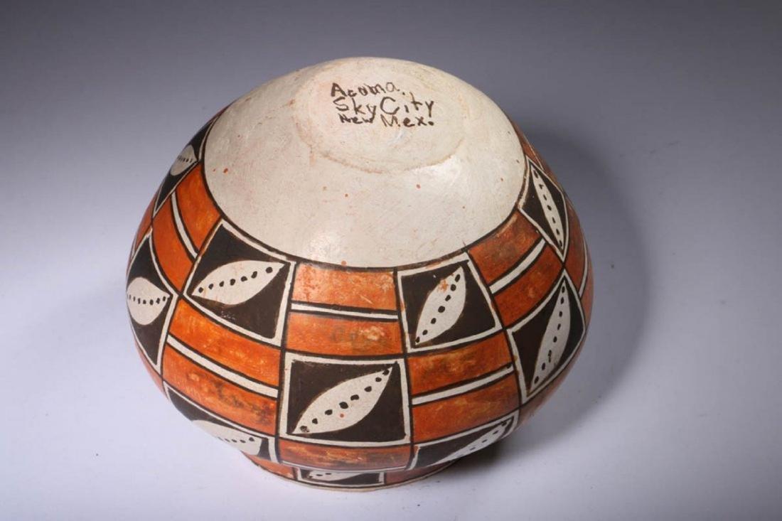 Native American Acoma Pottery - 4