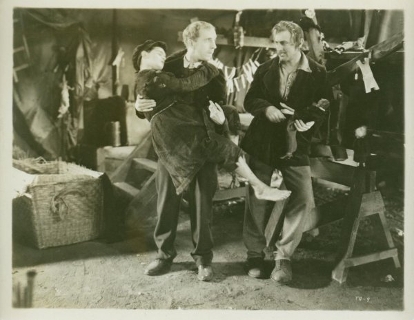 17: JOHN AND LIONEL BARRYMORE STILLS John Barrymore