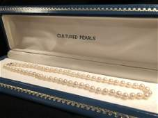Classic Vintage Cultured Pearl Necklace 10k Clasp