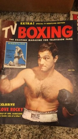 2 Boxes of a couple of Hundred Boxing Magazines - 4