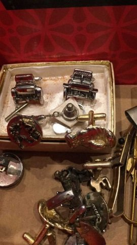 Box lot Boxing Related - Tie Clasps, Pins, etc. - 3