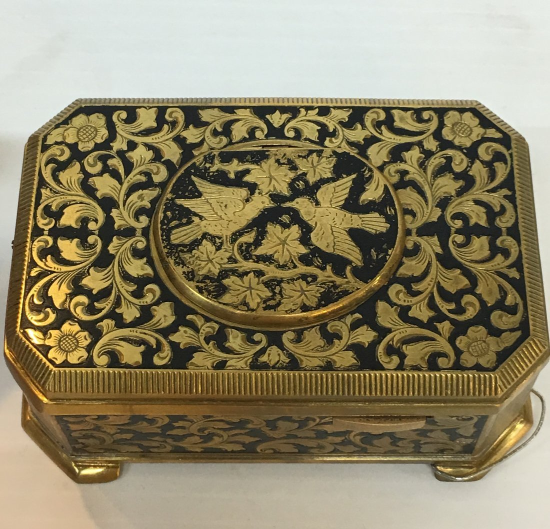 Gilt And Enamel Music Box With Singing Bird - 3