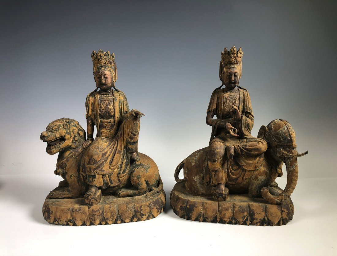 A Pair Of Wood Figure Of GuanYin Ride Lion & Elephant