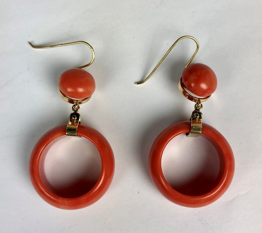 A Pair Of 14k YG Coral Earring
