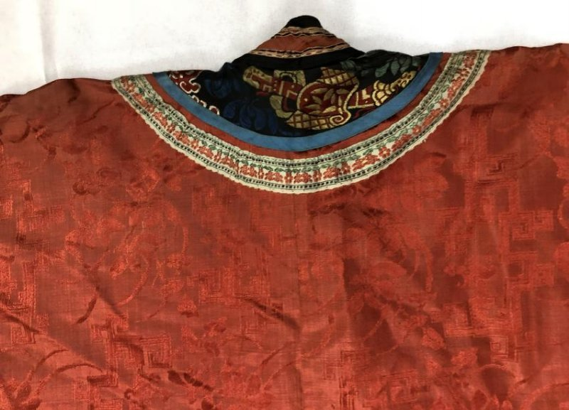 Chinese Embroidered Silk Robe - 10