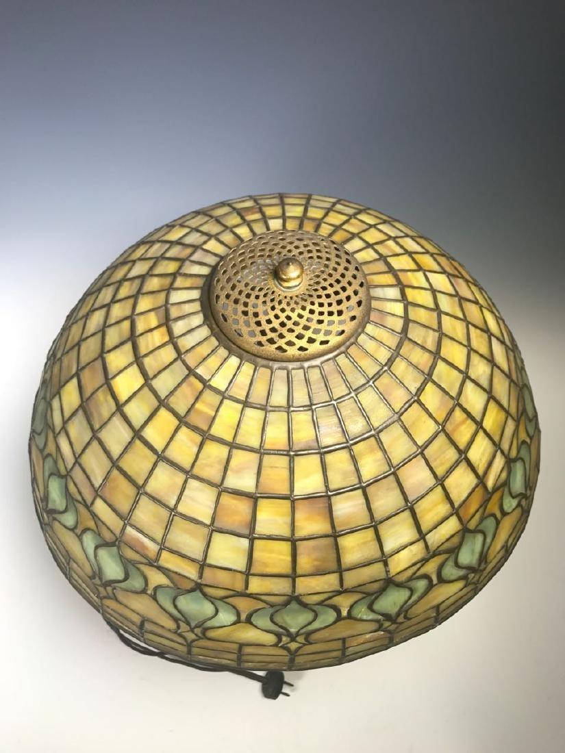 Tiffany Pomegranate Table Lamp - 4