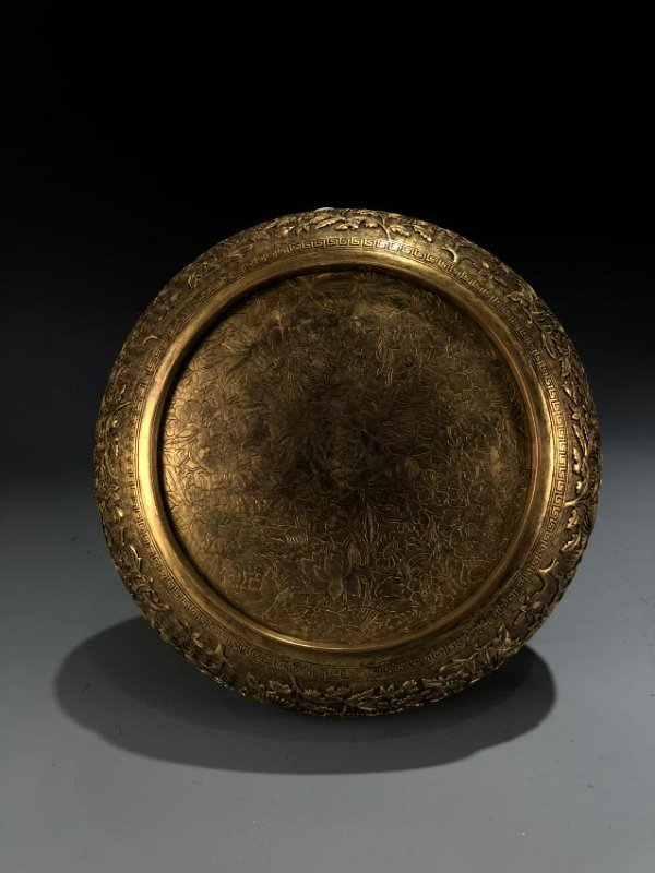 Finely Detailed Gilt Bronze Circular Box - 2