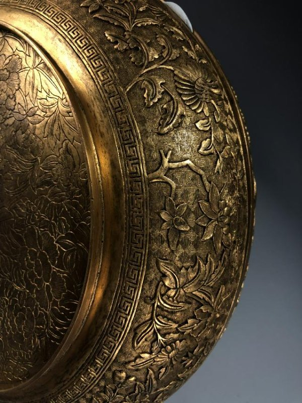 Finely Detailed Gilt Bronze Circular Box - 4