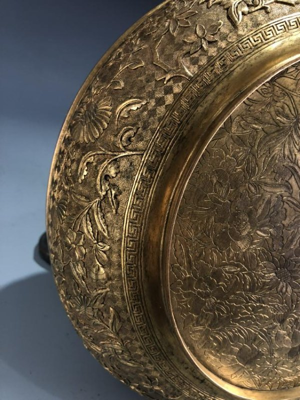 Finely Detailed Gilt Bronze Circular Box - 6