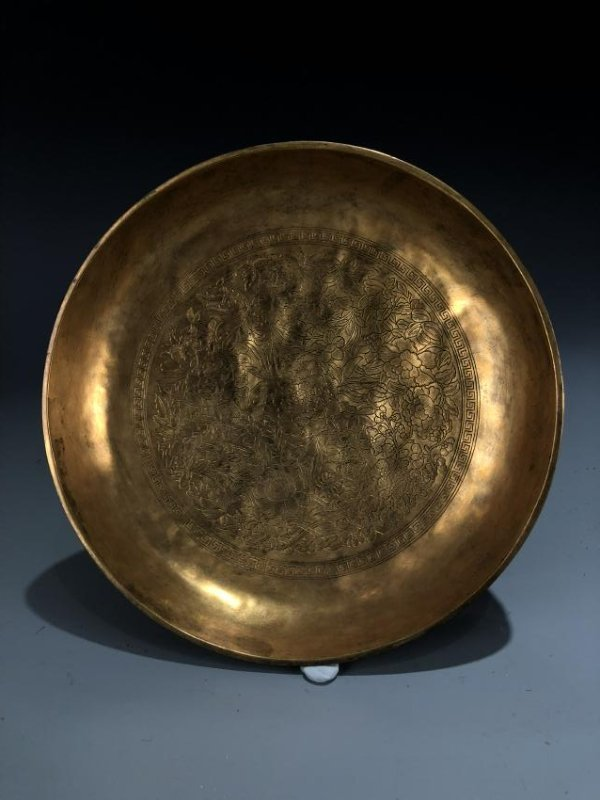 Finely Detailed Gilt Bronze Circular Box - 8