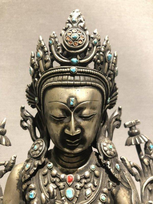 Bronze Figure of GuanYin - 6