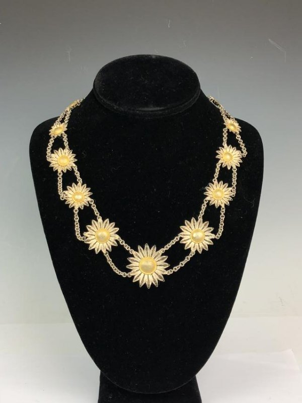 Silver Daisy Necklace on Chain