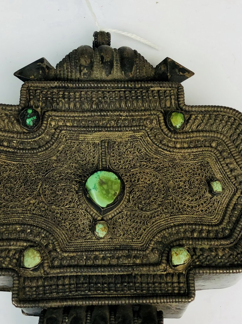 Large Ornate Silver Box with green Stone Inlay - 3