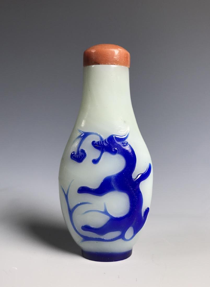 PEKING GLASS SNUFF BOTTLE W/ BLUE OVERLAY