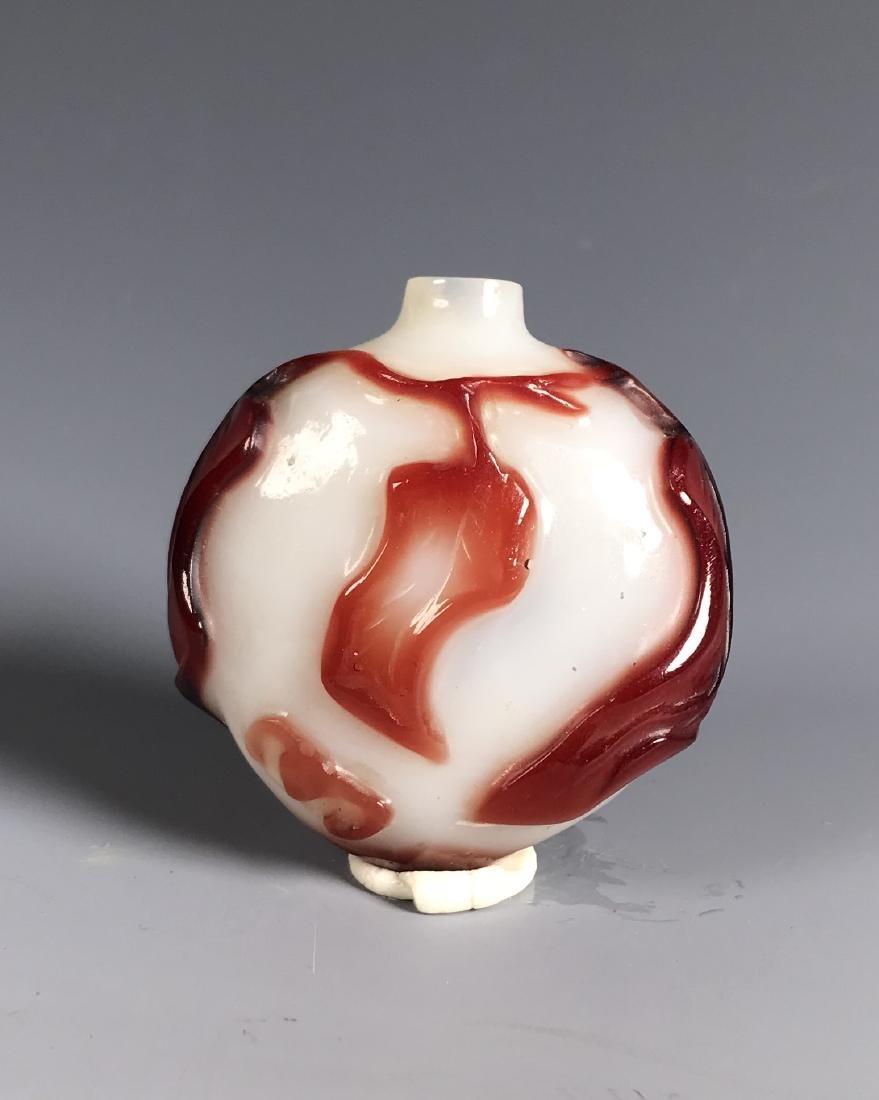 RED OVERLAY PEKING GLASS SNUFF BOTTLE