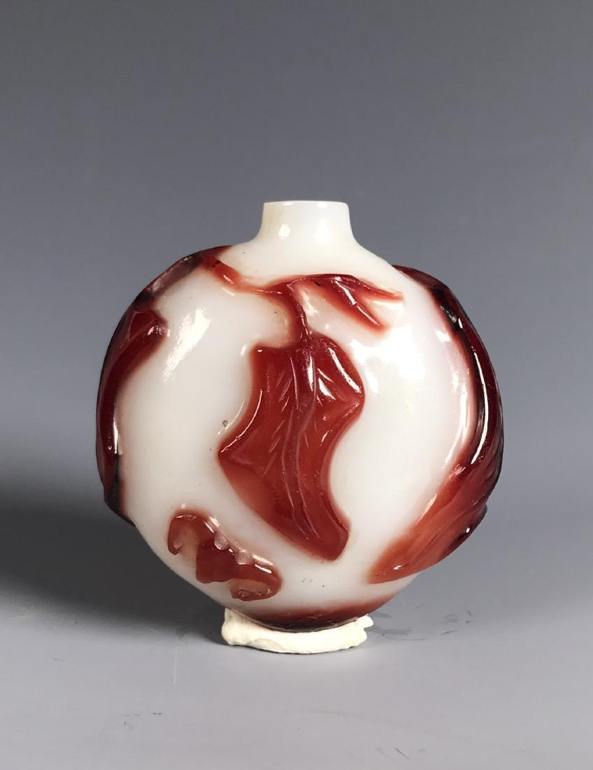RED OVERLAY PEKING GLASS SNUFF BOTTLE - 2