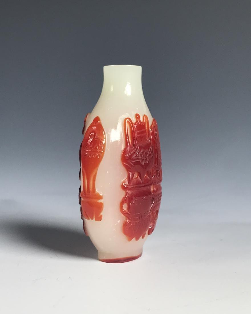 RED OVERLAY PEKING GLASS SNUFF BOTTLE - 4