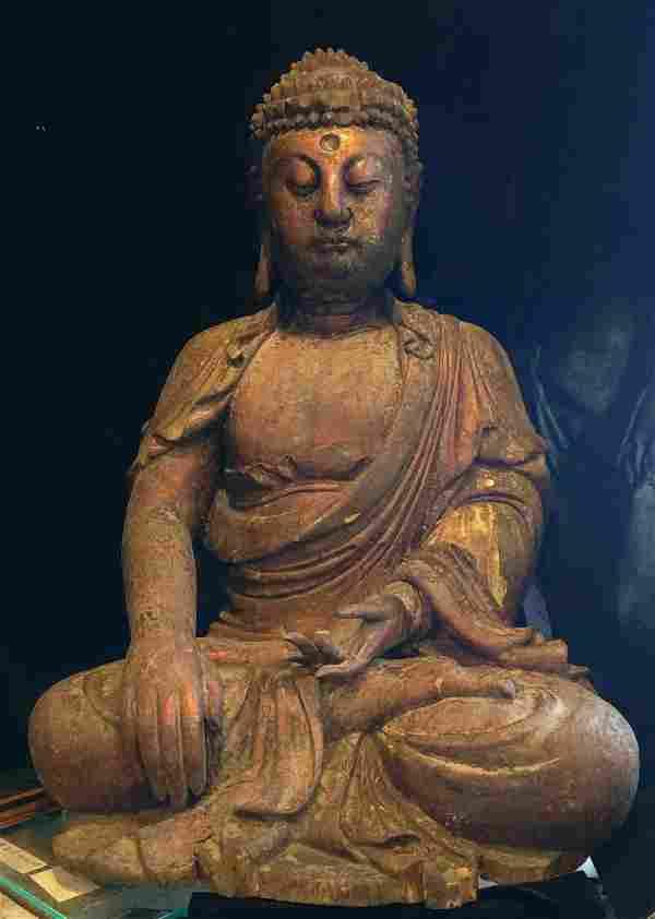 Rare Large Gilt and Lacquered Wood Shakyamuni Buddha
