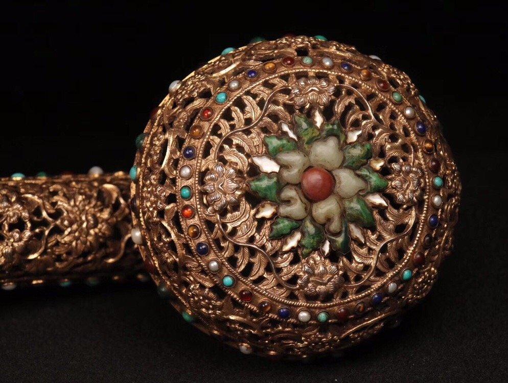 Repousse Gilt Bronze Gem-Inlaid Ruyi Scepter - 6