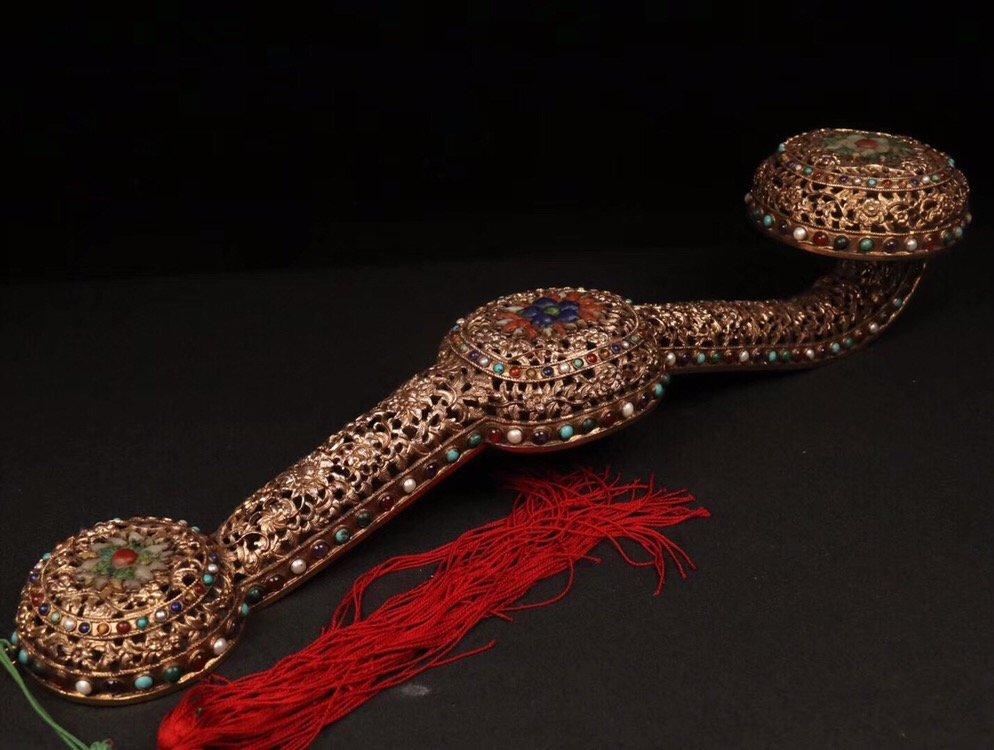 Repousse Gilt Bronze Gem-Inlaid Ruyi Scepter - 7