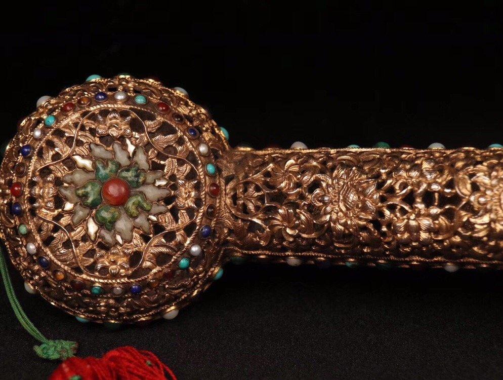 Repousse Gilt Bronze Gem-Inlaid Ruyi Scepter - 9
