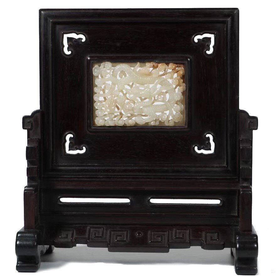 CHINESE PIERCED CARVED WHITE JADE PLAQUE TABLE SCREEN