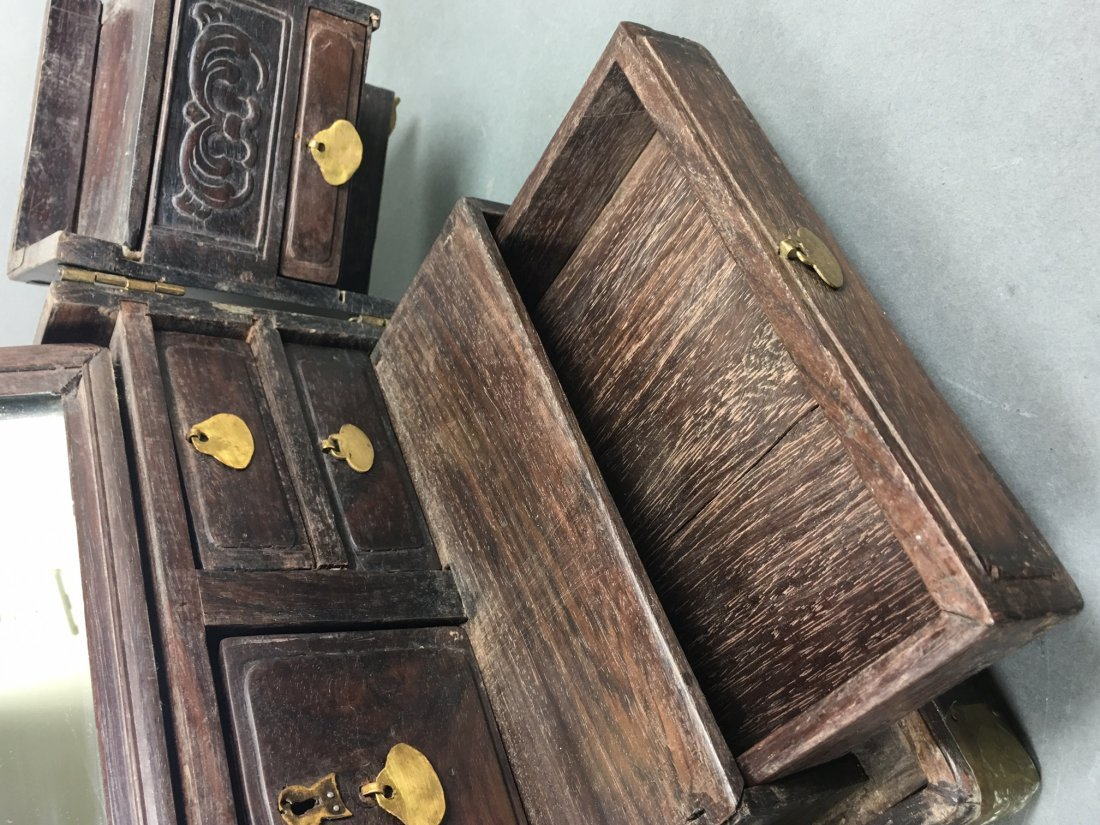 A Chinese Antique Rosewood Box - 8