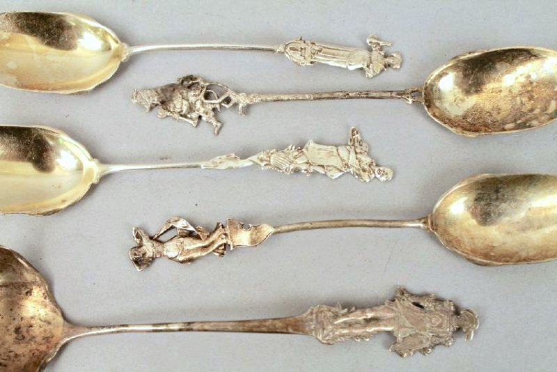 Lot of Figural Sterling Silver Spoons and Knives - 3