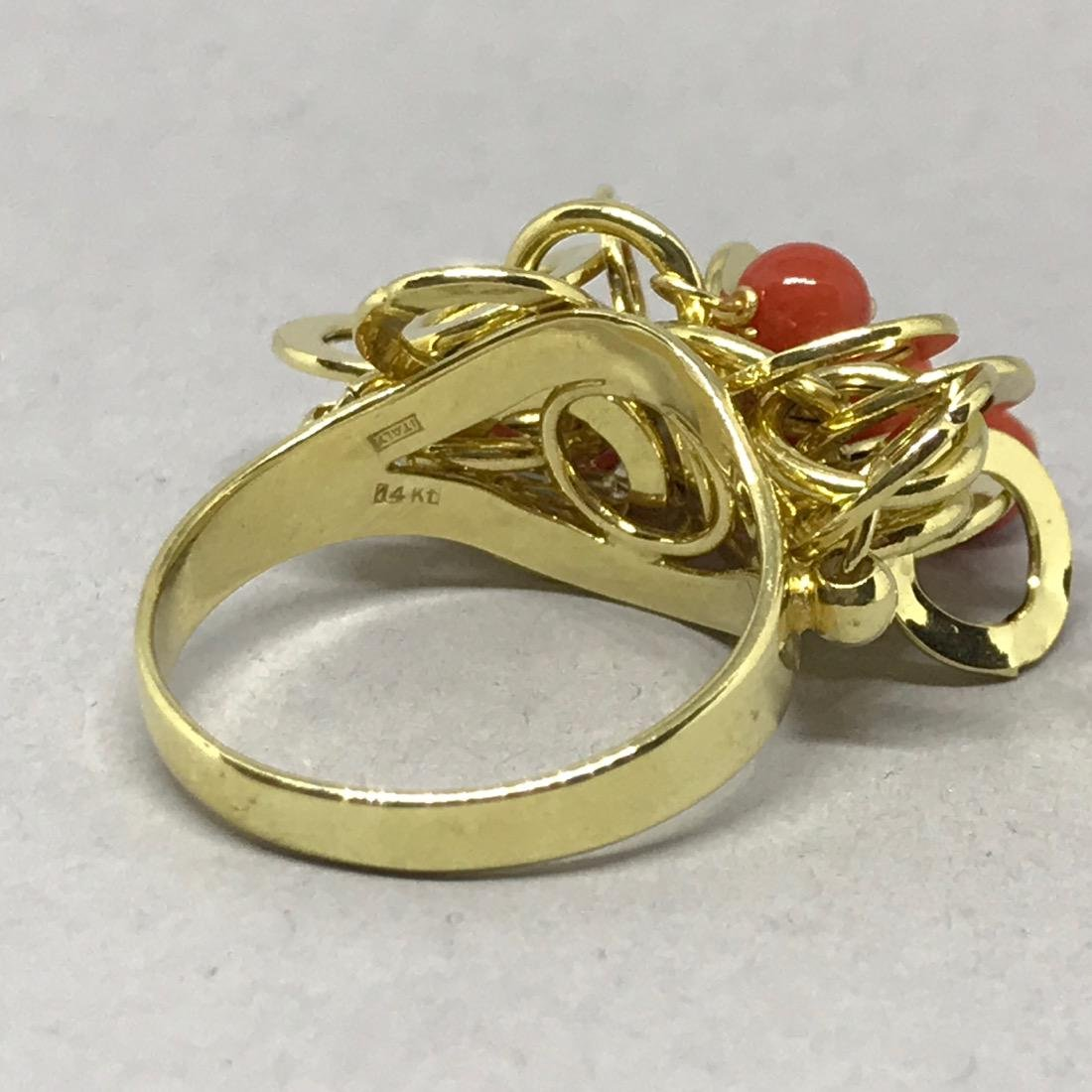 14 Kt Gold Cocktail Ring with Coral Beads. - 4