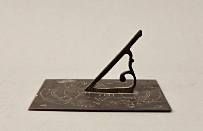 Square Bronze Sundial (Time Waits for No Man) - 3