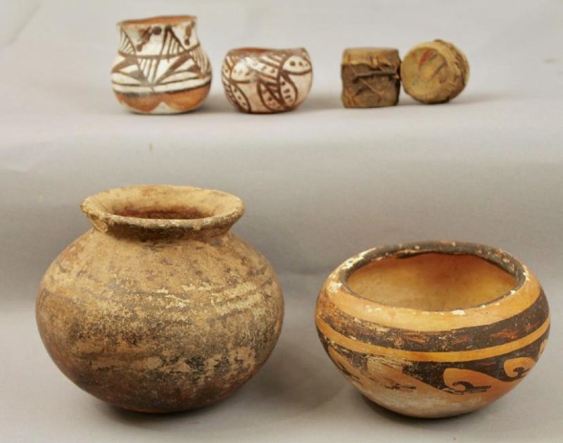 4 Pcs of American Indian Pottery & 2 Mini Drums
