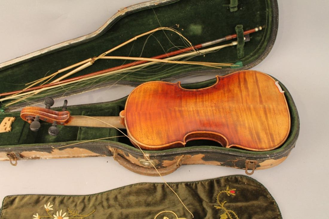 Vintage Violin in case with Embroidered Cover - 7