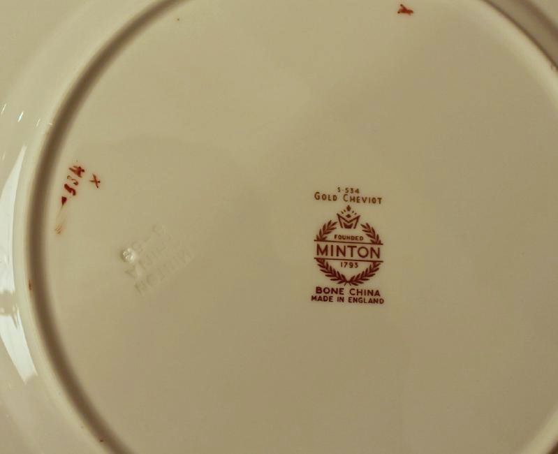 80 Pc Minton Gold Cheviot Bone China - 6